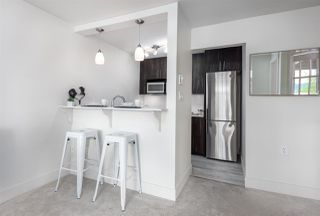 """Photo 10: 305 5 K DE K Court in New Westminster: Quay Condo for sale in """"Quayside Terrace"""" : MLS®# R2366534"""