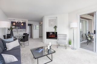 """Photo 2: 305 5 K DE K Court in New Westminster: Quay Condo for sale in """"Quayside Terrace"""" : MLS®# R2366534"""