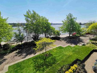 """Photo 8: 305 5 K DE K Court in New Westminster: Quay Condo for sale in """"Quayside Terrace"""" : MLS®# R2366534"""