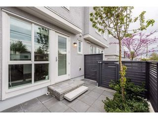 Photo 3: 10 262 W 62ND Avenue in Vancouver: Marpole Townhouse for sale (Vancouver West)  : MLS®# R2382397