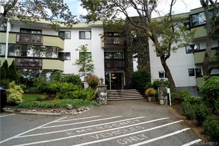 Photo 1: 215 3962 CEDAR HILL Road in VICTORIA: SE Mt Doug Condo Apartment for sale (Saanich East)  : MLS®# 412613