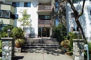 Photo 2: 215 3962 CEDAR HILL Road in VICTORIA: SE Mt Doug Condo Apartment for sale (Saanich East)  : MLS®# 412613