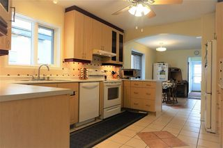 Photo 3: 9351 95 Street in Edmonton: Zone 18 House for sale : MLS®# E4176726