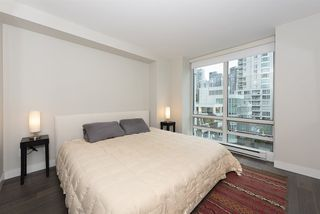 "Photo 13: 906 1500 HORNBY Street in Vancouver: Yaletown Condo for sale in ""888 BEACH"" (Vancouver West)  : MLS®# R2417560"