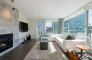 "Photo 2: 906 1500 HORNBY Street in Vancouver: Yaletown Condo for sale in ""888 BEACH"" (Vancouver West)  : MLS®# R2417560"