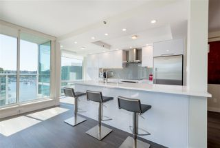 "Photo 5: 906 1500 HORNBY Street in Vancouver: Yaletown Condo for sale in ""888 BEACH"" (Vancouver West)  : MLS®# R2417560"