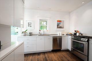 "Photo 10: 621 PRINCESS Avenue in Vancouver: Strathcona House for sale in ""STRATHCONA"" (Vancouver East)  : MLS®# R2459685"