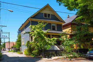 "Photo 1: 621 PRINCESS Avenue in Vancouver: Strathcona House for sale in ""STRATHCONA"" (Vancouver East)  : MLS®# R2459685"