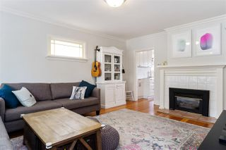 Photo 3: 232 E 43RD Avenue in Vancouver: Main House for sale (Vancouver East)  : MLS®# R2467548