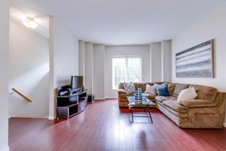 Photo 3: 249 23 Observatory Lane in Richmond Hill: Observatory Condo for sale : MLS®# N4886602