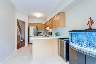 Photo 8: 249 23 Observatory Lane in Richmond Hill: Observatory Condo for sale : MLS®# N4886602