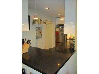 """Photo 4: 108 708 8TH Avenue in New Westminster: Uptown NW Condo for sale in """"VILLA FRANCISCAN"""" : MLS®# V915145"""