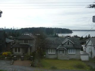 Photo 2: 1143 ESQUIMALT AVE in West Vancouver: Ambleside House for sale