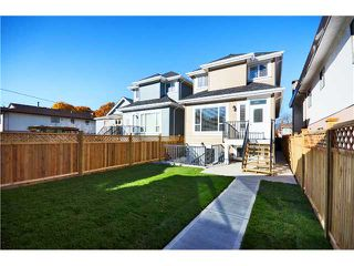 Photo 18: 630 E 19TH Avenue in Vancouver: Fraser VE House for sale (Vancouver East)  : MLS®# V1035852