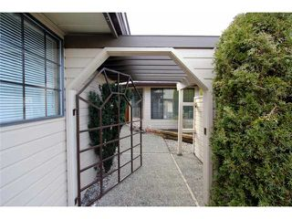 Photo 2: 10 9515 WOODBINE Street in Chilliwack: Chilliwack E Young-Yale Townhouse for sale : MLS®# H1400060
