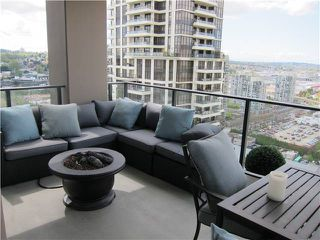 """Photo 7: 2206 2077 ROSSER Avenue in Burnaby: Brentwood Park Condo for sale in """"VANTAGE"""" (Burnaby North)  : MLS®# V1062601"""