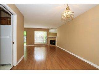 "Photo 7: 125 9978 151 Street in Surrey: Guildford Townhouse for sale in ""Sussex House"" (North Surrey)  : MLS®# F1414106"