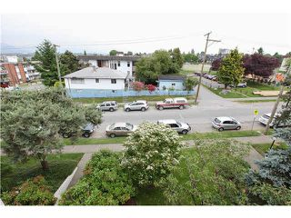 "Photo 5: 409 2222 PRINCE EDWARD Street in Vancouver: Mount Pleasant VE Condo for sale in ""SUNRISE ON THE PARK"" (Vancouver East)  : MLS®# V1126031"