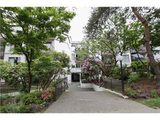 """Photo 18: 409 2222 PRINCE EDWARD Street in Vancouver: Mount Pleasant VE Condo for sale in """"SUNRISE ON THE PARK"""" (Vancouver East)  : MLS®# V1126031"""