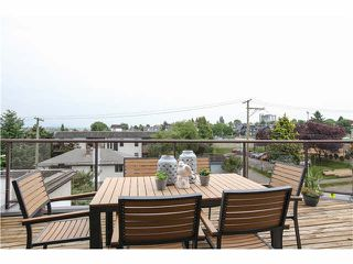"Photo 2: 409 2222 PRINCE EDWARD Street in Vancouver: Mount Pleasant VE Condo for sale in ""SUNRISE ON THE PARK"" (Vancouver East)  : MLS®# V1126031"