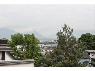 "Photo 4: 409 2222 PRINCE EDWARD Street in Vancouver: Mount Pleasant VE Condo for sale in ""SUNRISE ON THE PARK"" (Vancouver East)  : MLS®# V1126031"