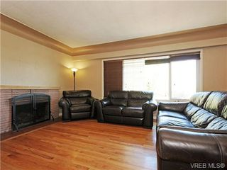 Photo 2: 3660 Tillicum Road in VICTORIA: SW Tillicum Single Family Detached for sale (Saanich West)  : MLS®# 355125