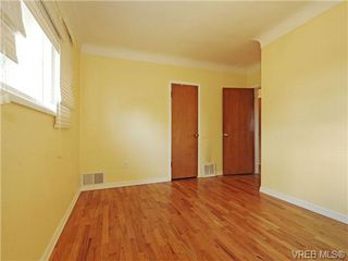 Photo 10: 3660 Tillicum Road in VICTORIA: SW Tillicum Single Family Detached for sale (Saanich West)  : MLS®# 355125