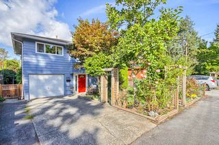 "Photo 2: 1387 ENDERBY Avenue in Delta: Beach Grove House for sale in ""BEACH GROVE"" (Tsawwassen)  : MLS®# R2000197"