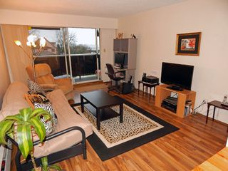 """Photo 1: 209 1011 FOURTH Avenue in New Westminster: Uptown NW Condo for sale in """"CRESTWELL MANOR"""" : MLS®# R2016256"""