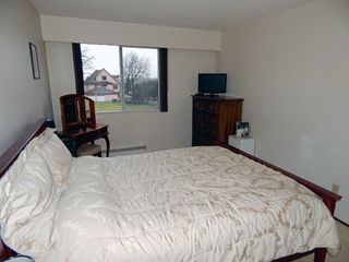 """Photo 13: 209 1011 FOURTH Avenue in New Westminster: Uptown NW Condo for sale in """"CRESTWELL MANOR"""" : MLS®# R2016256"""