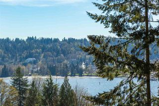 Photo 1: 653 FORESTHILL Place in Port Moody: North Shore Pt Moody House for sale : MLS®# R2053340