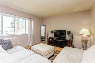 Photo 2: 20218 52 Avenue in Langley: Langley City House for sale : MLS®# R2053424
