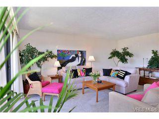 Photo 3: 404 1012 Collinson St in VICTORIA: Vi Fairfield West Condo for sale (Victoria)  : MLS®# 728827
