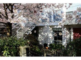 """Photo 2: 3062 WILLOW Street in Vancouver: Fairview VW Townhouse for sale in """"WILLOW PLACE"""" (Vancouver West)  : MLS®# R2077060"""