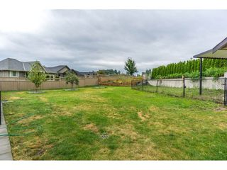 Photo 2: 2273 CHARDONNAY Lane in Abbotsford: Aberdeen House for sale : MLS®# R2094873