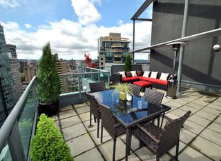 """Photo 17: 3301 1331 W GEORGIA Street in Vancouver: Coal Harbour Condo for sale in """"THE POINTE"""" (Vancouver West)  : MLS®# R2132219"""