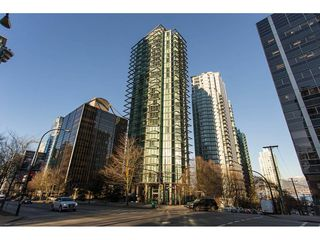 """Photo 1: 3301 1331 W GEORGIA Street in Vancouver: Coal Harbour Condo for sale in """"THE POINTE"""" (Vancouver West)  : MLS®# R2132219"""
