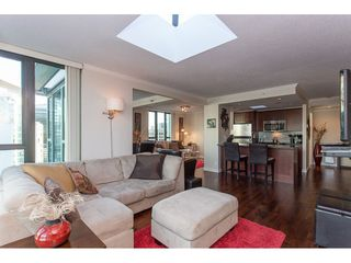"""Photo 7: 3301 1331 W GEORGIA Street in Vancouver: Coal Harbour Condo for sale in """"THE POINTE"""" (Vancouver West)  : MLS®# R2132219"""
