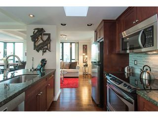 """Photo 5: 3301 1331 W GEORGIA Street in Vancouver: Coal Harbour Condo for sale in """"THE POINTE"""" (Vancouver West)  : MLS®# R2132219"""