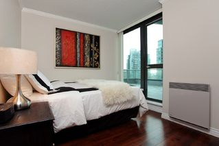 """Photo 14: 3301 1331 W GEORGIA Street in Vancouver: Coal Harbour Condo for sale in """"THE POINTE"""" (Vancouver West)  : MLS®# R2132219"""