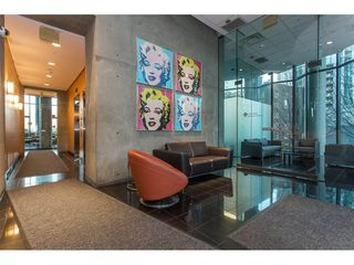 """Photo 3: 3301 1331 W GEORGIA Street in Vancouver: Coal Harbour Condo for sale in """"THE POINTE"""" (Vancouver West)  : MLS®# R2132219"""