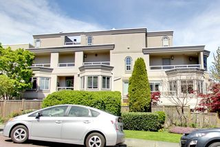 Photo 2: 311 2057 W 3RD AVENUE in Vancouver: Kitsilano Condo for sale (Vancouver West)  : MLS®# R2163688