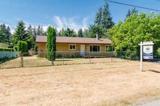 Photo 2: 4049 205A Street in Langley: Brookswood Langley House for sale : MLS®# R2191134