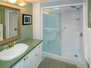 Photo 16: 122 2345 Cedar Hill Cross Rd in VICTORIA: OB Henderson Row/Townhouse for sale (Oak Bay)  : MLS®# 771080