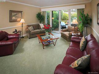 Photo 5: 122 2345 Cedar Hill Cross Rd in VICTORIA: OB Henderson Row/Townhouse for sale (Oak Bay)  : MLS®# 771080