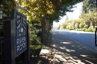 """Photo 19: 15 1005 LYNN VALLEY Road in North Vancouver: Lynn Valley Townhouse for sale in """"River Rock"""" : MLS®# R2211055"""