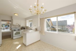 """Photo 6: 1951 E 3RD Avenue in Vancouver: Grandview VE House for sale in """"COMMERCIAL DRIVE"""" (Vancouver East)  : MLS®# R2300010"""