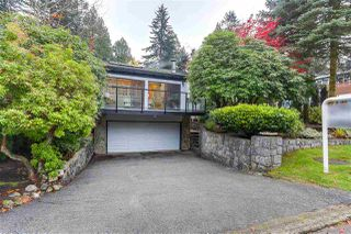 """Photo 1: 1077 BLUE GROUSE Way in North Vancouver: Grouse Woods House for sale in """"GROUSE WOODS"""" : MLS®# R2322044"""