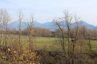 Photo 14: 8742 SUNRISE Drive in Chilliwack: Chilliwack Mountain House for sale : MLS®# R2324304