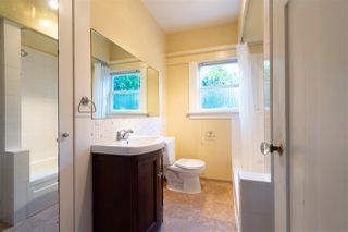 """Photo 14: 1949 W 57TH Avenue in Vancouver: S.W. Marine House for sale in """"SW Marine"""" (Vancouver West)  : MLS®# R2326410"""